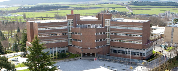 Precio estudiar medicina Universidad de Navarra